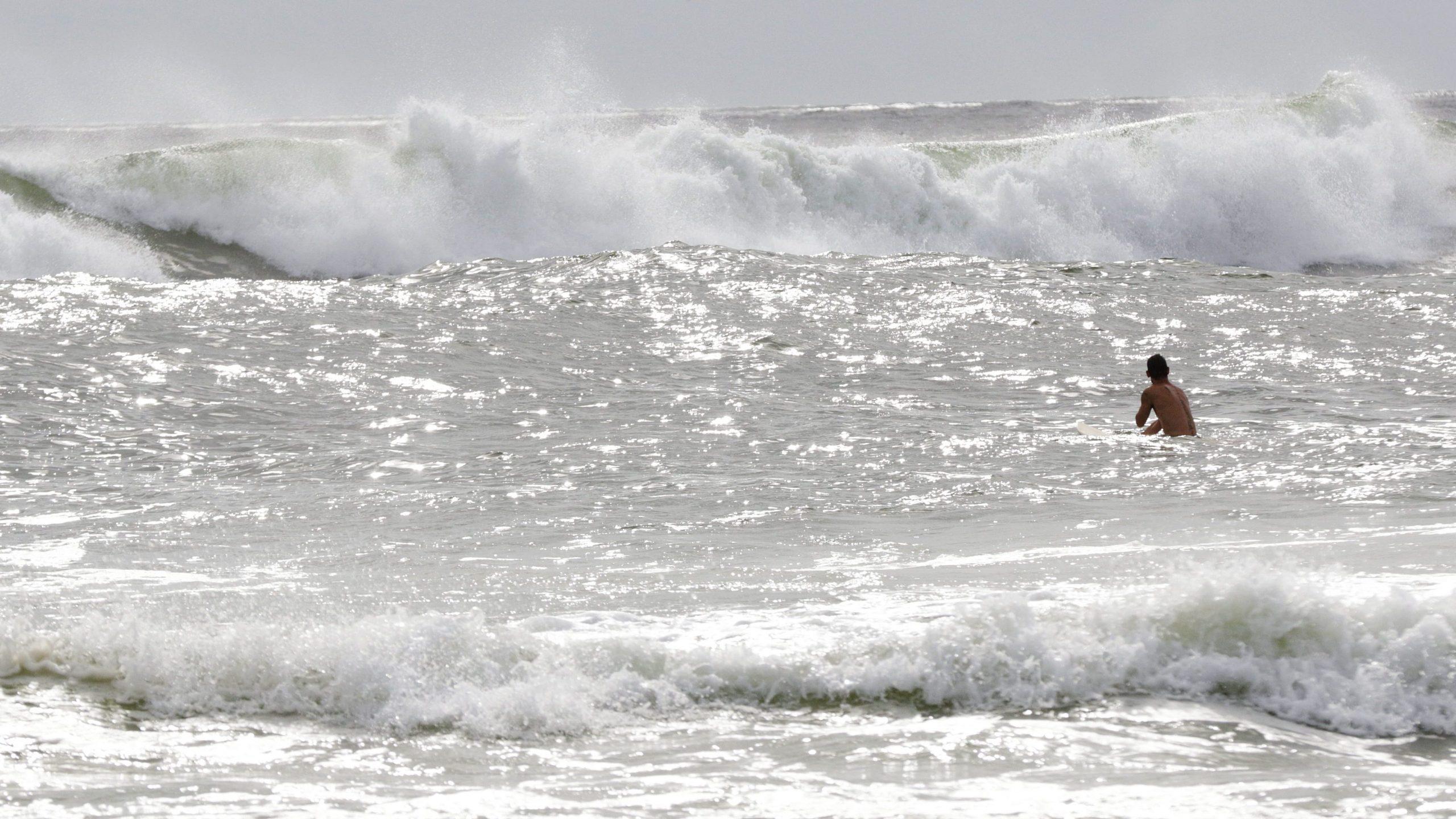 Tropska oluja Isajas približava se Floridi posle Bahama 1