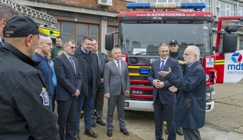 Vatrogasci iz Južnog Velsa donirali vatrogasna vozila Sektoru za vanredne situacije 15