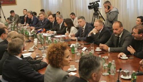 Opozicija se još dogovara oko izbornih uslova sa kojima će pred vlast 10