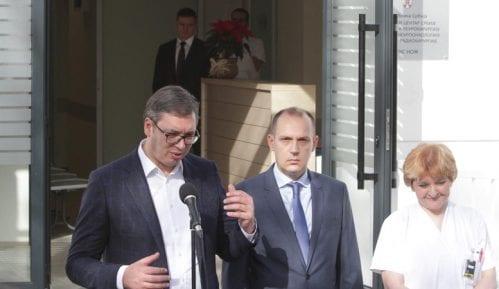 Vučić: Besplatno lečenje x-nožem 14