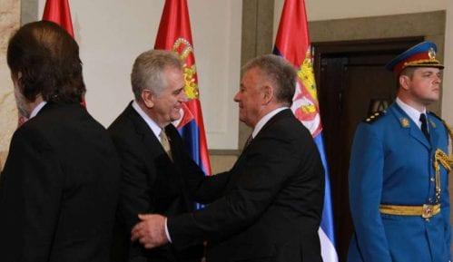 Da je hteo Nikolić bi odavno okrenuo leđa SNS-u 7