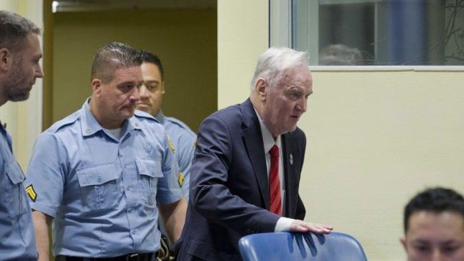 Odbrana Ratka Mladića upozorila na rizik od moždanh i srčanih udara 1