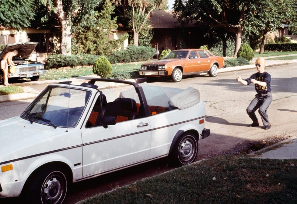 Dejvid Bouvi imitira vožnju nevidljivog automobila u Los Anđelesu