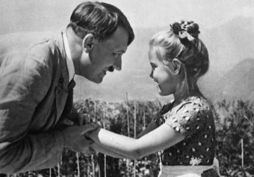Devojčica za koju se veruje da je Roza sa Hitlerom