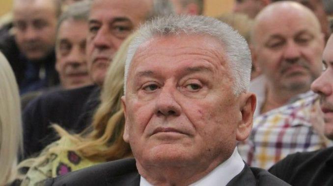 NS: Velimiru Iliću došla policija na vrata jer ga je izvršitelj prijavio 4