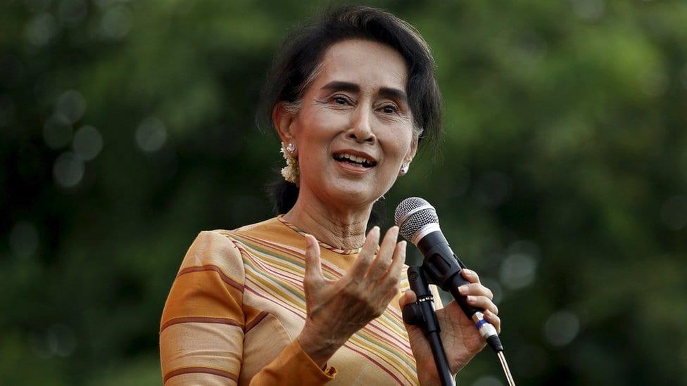Liderka Mjanmara Aung San Su Ći drži govor o obrazovanju glasača u gradu Hsiseg u državi Šan u Mjanmaru 5. septembra 2015.