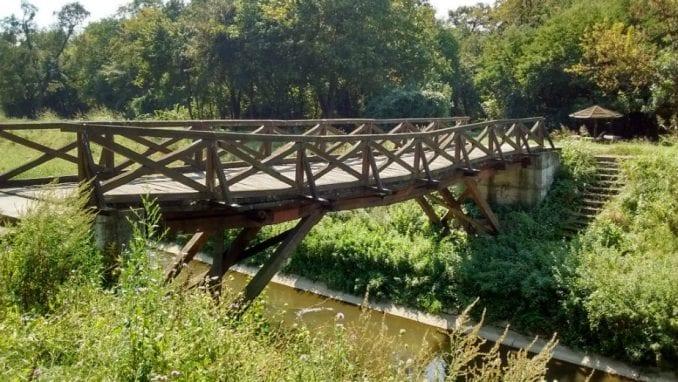 Nebezbedan most preko Topčiderske reke 1