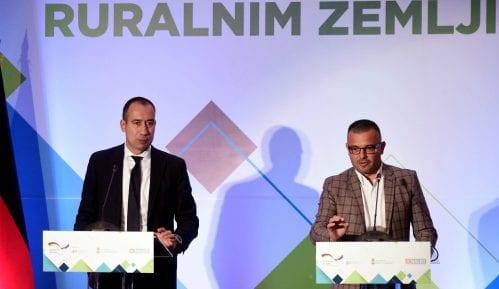 Za komasaciju zemljišta u Srbiji potrebne tri i po godine 12