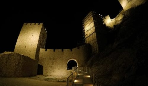 Golubački grad dobio osvetljenje 12