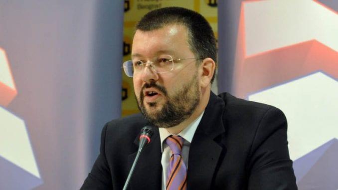 Antić zatražio prekid linča predavača na FMK Zorana Ćirjakovića 2