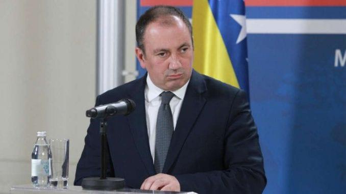 Crnadak: Može Goodbay BiH, ali bez mobilizacije, plača majki i dece 4