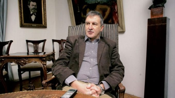 Vlada razrešila direktora Narodnog pozorišta Dejana Savića 4