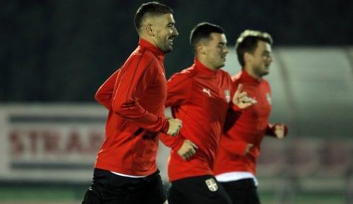 """Beogradski osnovci bodriće sa tribina """"Orlove"""" na utakmici sa Crnom Gorom 8"""