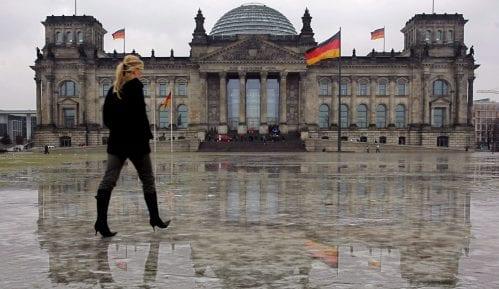 """Raste mržnja prema strancima: Nemcima najviše """"ne odgovaraju"""" Sinti, Romi i Jevreji 13"""