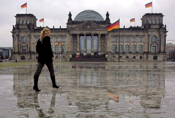 """Raste mržnja prema strancima: Nemcima najviše """"ne odgovaraju"""" Sinti, Romi i Jevreji 1"""