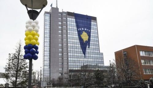 Vlada Kosova odbila da osvetli zgradu bojama duge 6