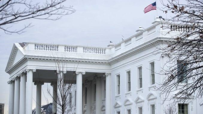 Bela kuća ocenila kongresnu istragu kao nelegitimnu 1