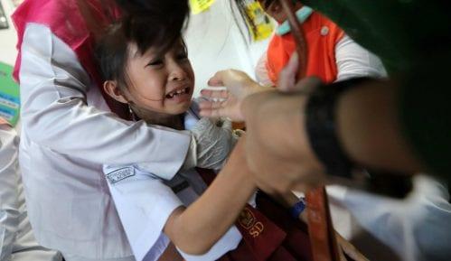 Indonezija: Zabranili vakcinaciju zbog svinjskog želatina, preti epidemija 7