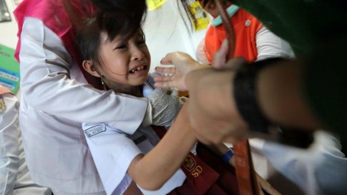 Indonezija: Zabranili vakcinaciju zbog svinjskog želatina, preti epidemija 1