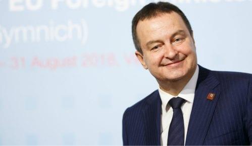 Ministar spoljnih poslova Kine čestitao Dačiću Dan državnosti Srbije 9