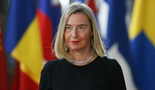 Mogerini ponovo pozvala Kosovo da ukine takse na robu iz Srbije 3