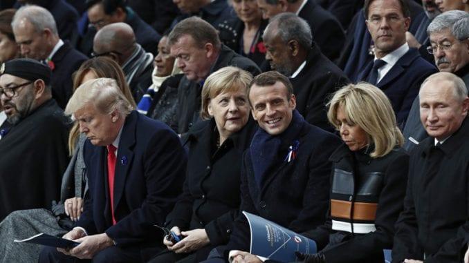 Makron: Evropa se umalo samouništila upaklu koji je progutao vojnike (FOTO) 1