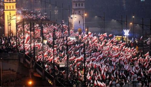 Varšavom marširalo 200.000 Poljaka 11