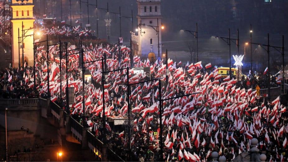 Varšavom marširalo 200.000 Poljaka 1