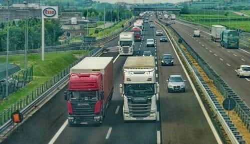 AMSS: Višečasovna zadržavanja kamiona na izlazu iz Srbije 12