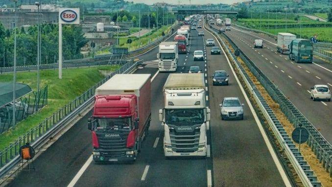 AMSS: Višečasovna zadržavanja kamiona na izlazu iz Srbije 1