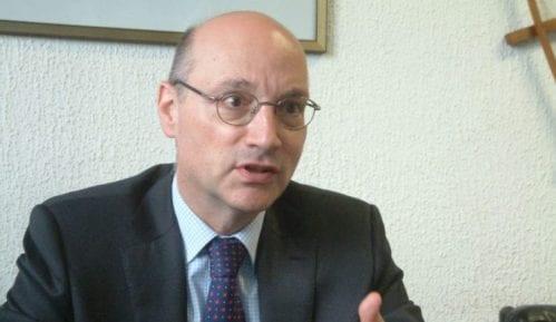 Ambasador Francuske se izvinio zbog rasporeda sedenja 3
