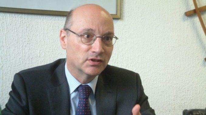 Ambasador Francuske se izvinio zbog rasporeda sedenja 1