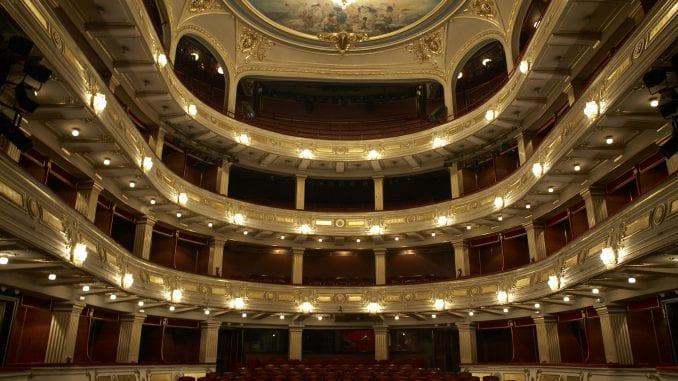 Mladima podeljeno više od 800 besplatnih karata za repertoar Narodnog pozorišta 2