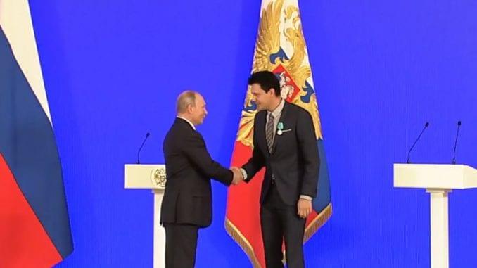 Putin odlikovao Miloša Bikovića 1
