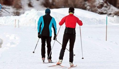 Česi uprkos lokdaunu masovno na sankanju u zatvorenim skijaškim centrima 6