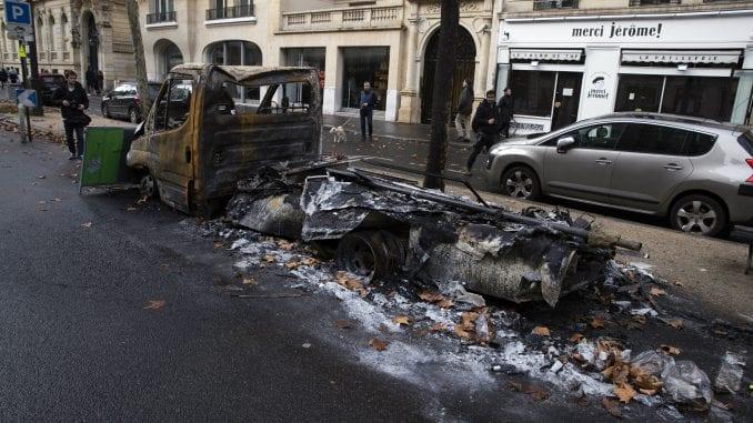 """Da li su mogući ulični protesti poput """"Žutih prsluka"""" u Srbiji? 1"""