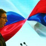 Vučić brani trgovinu s medijima i napada Danas 13