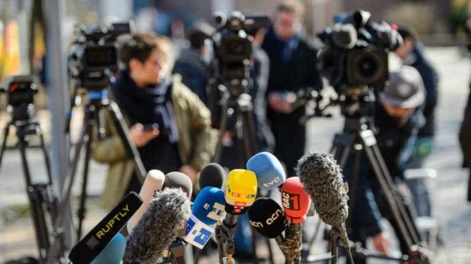 Napadi funkcionera na novinare klimaju Medijsku strategiju 1