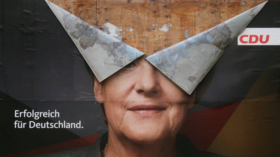 Pocepani izborni poster u Bonu