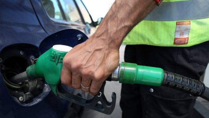 Benzin u Srbiji od januara pojeftinio 20,50 dinara, dizel 25,40 dinara 2