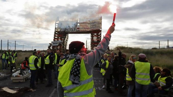 Žuti prsluci pozvali na proteste u Francuskoj u subotu 1