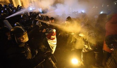 """Hiljade Mađara izašlo na ulice Budimpešte, protesti protiv """"zakona o ropstvu"""" 2"""