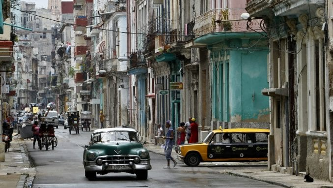 Žuto nebo nad Kubom 2