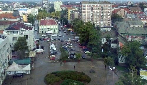 """Nakon požara u fabrici """"Kemis"""" u Mišaru: Nema zagađenja vode, vazduha i zemljišta 13"""