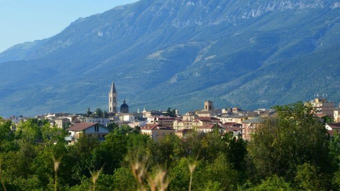 Sulmona: Na pola puta 1