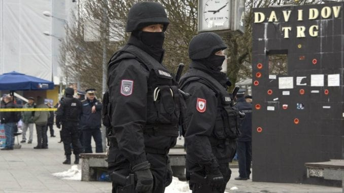 Opozicija zbog proganjanja građana u Banjaluci traži smenu vrha MUP RS 4