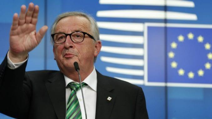 Junker: Tramp neće uvesti dodatne carine za evropske automobile 1