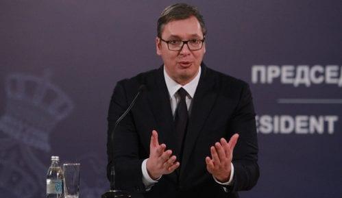Vučić u Novom Pazaru zbog isporuke 13 respiratora bolnici 9