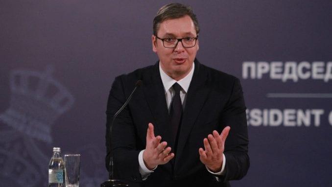 Vučić u Novom Pazaru zbog isporuke 13 respiratora bolnici 4