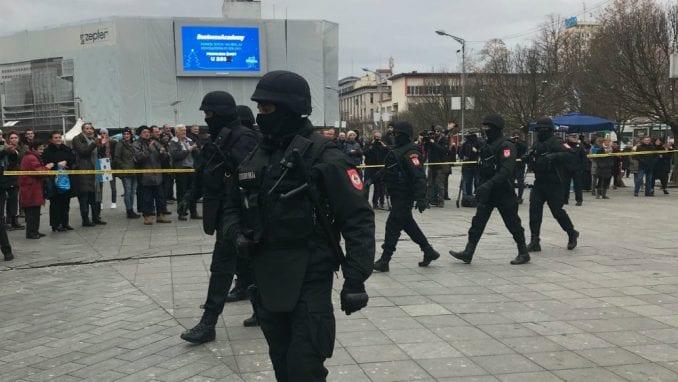 Banjaluka: U sukobu građana i policije na Trgu Krajine ima povređenih 1